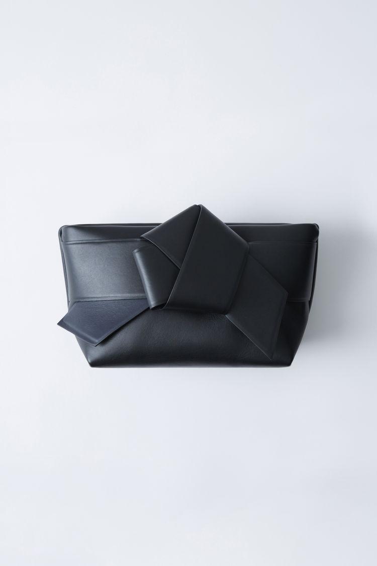 musubi-clutch-black